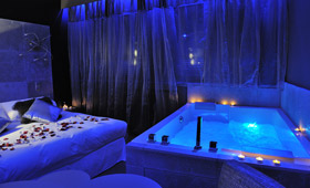 Chambres avec jacuzzi guide haut de gamme pour chambres - Hotel en foret noire avec piscine ...