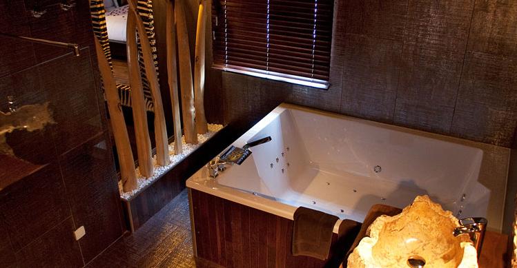 La lodge chambre avec jacuzzi - Hotel avec piscine et jacuzzi dans la chambre ...