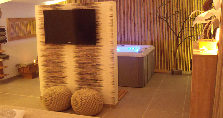 Le carpe noctem est une chambre avec jacuzzi ideal pour - Chambre avec jacuzzi bruxelles ...