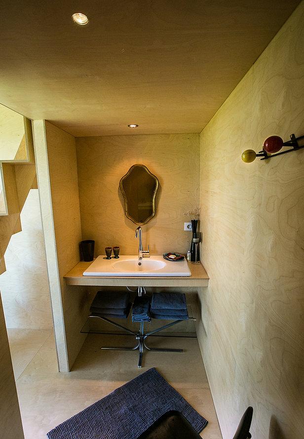 le chromatic gite avec piscine int rieure. Black Bedroom Furniture Sets. Home Design Ideas