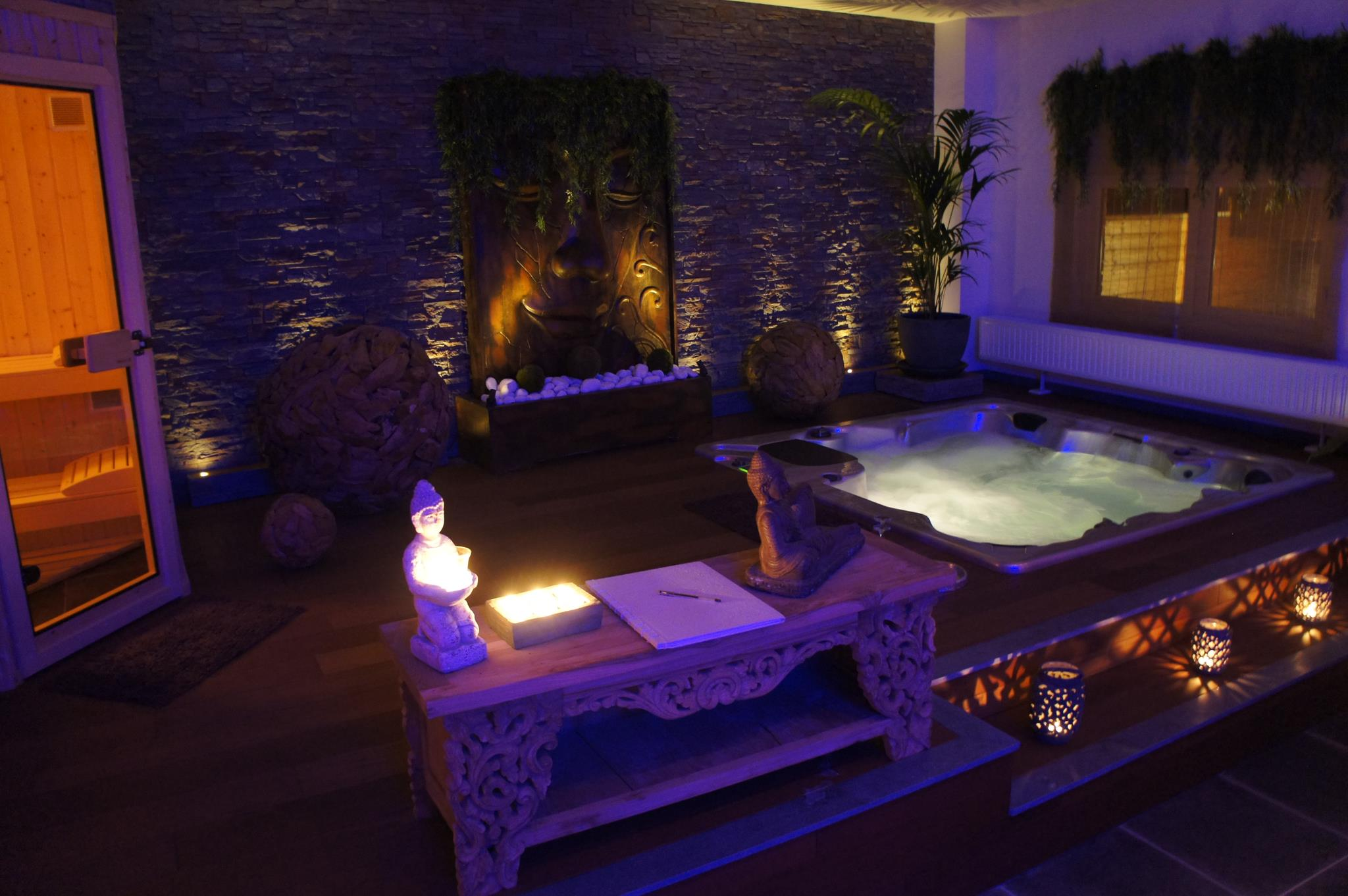 O bois zen chambre avec jacuzzi for Chambre de luxe avec jacuzzi belgique
