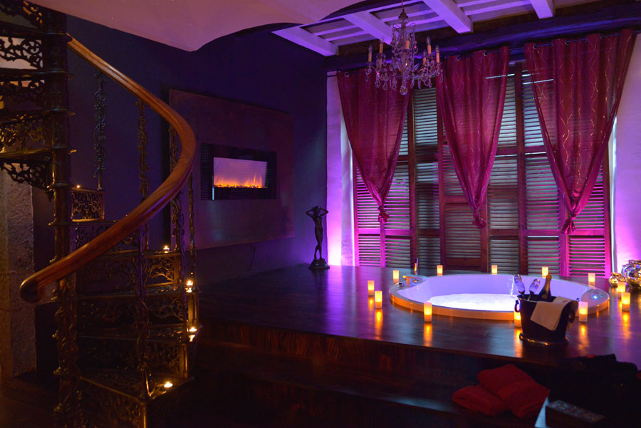 Chambres avec jacuzzi guide haut de gamme pour chambres for Chambre de luxe avec jacuzzi belgique