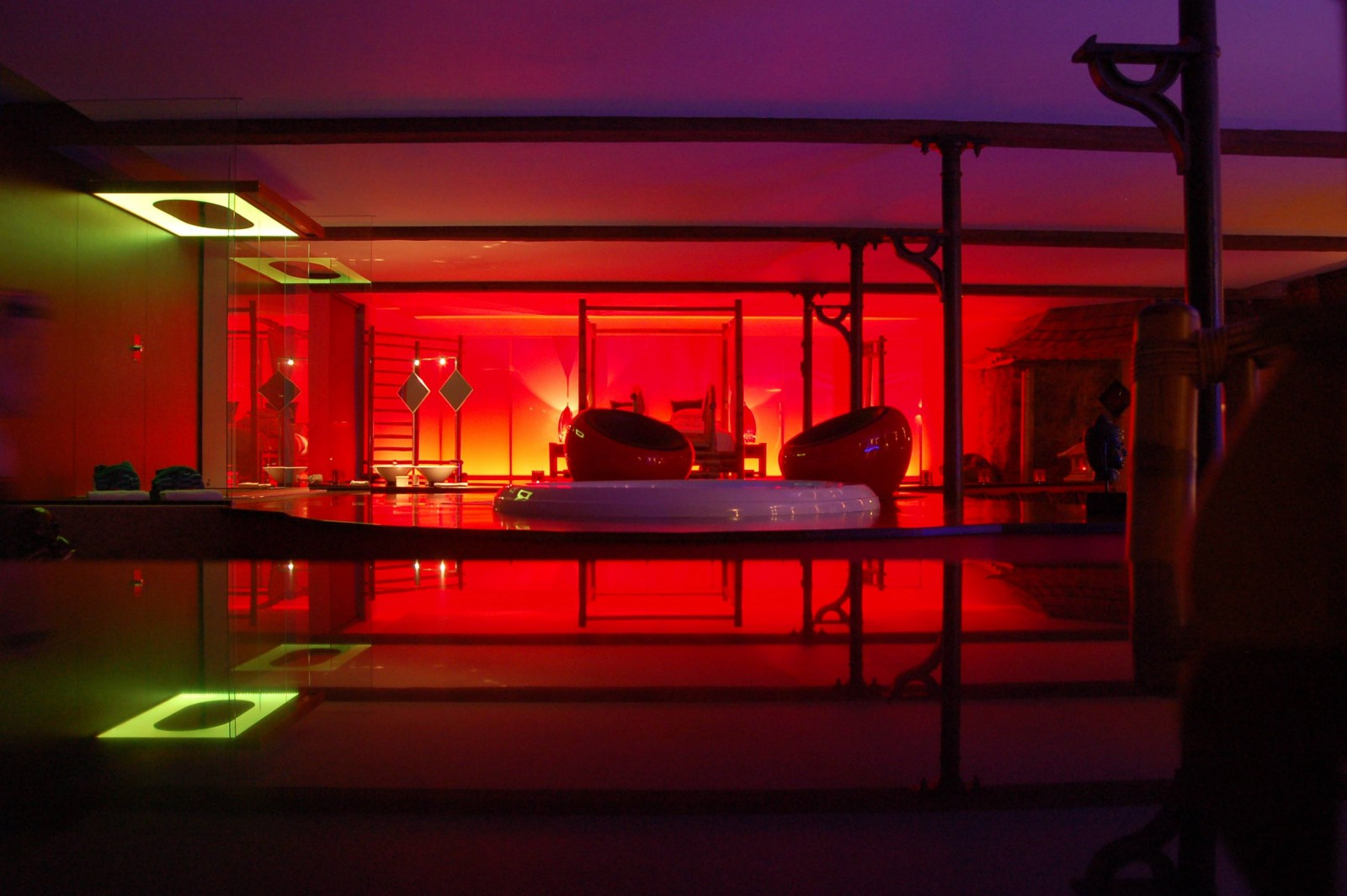 Le loft baiser de shogun chambre avec jacuzzi et sauna for Chambre de luxe avec jacuzzi belgique