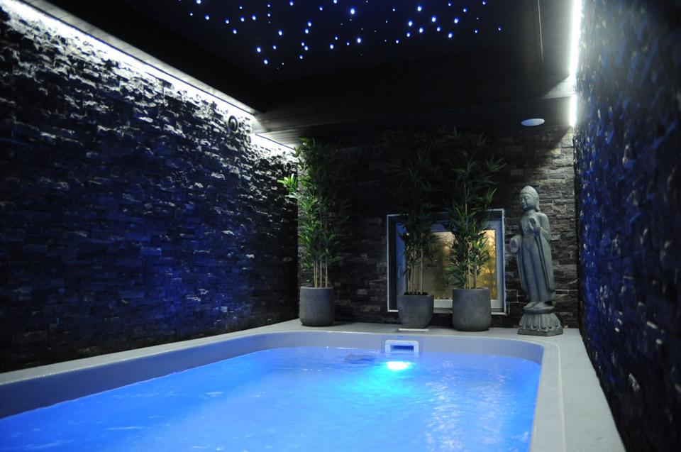 Le clos des thermes chambre avec jacuzzi et piscine ideal for Piscine thermale