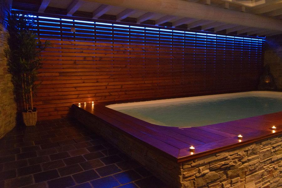 La suite le nirvana chambre avec jacuzzi et piscine ideal for Piscine miroir belgique