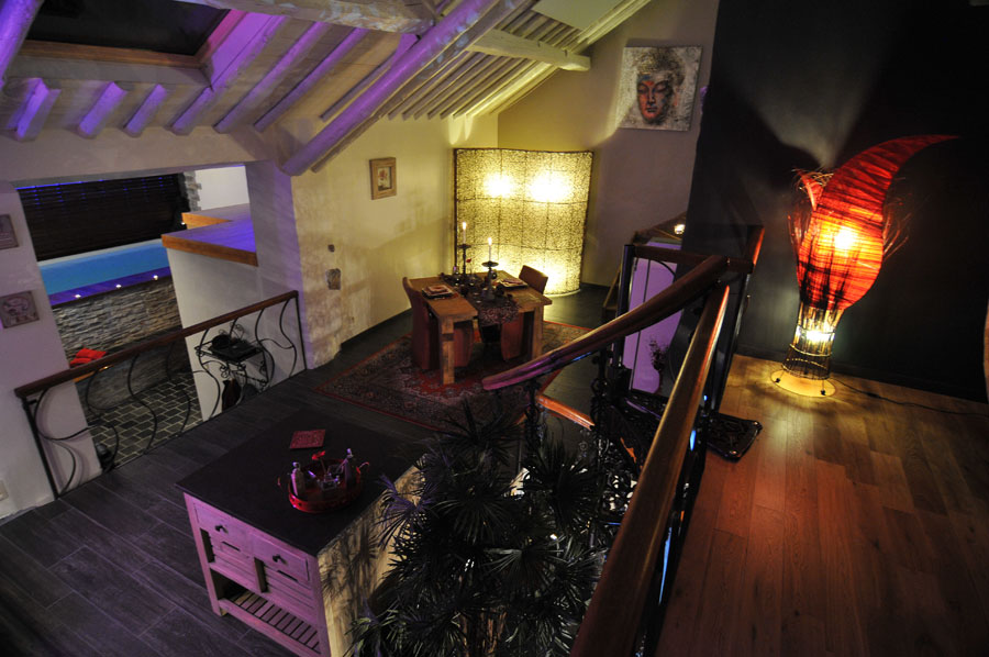 La suite le nirvana chambre avec jacuzzi et piscine ideal for Chambre jacuzzi 13