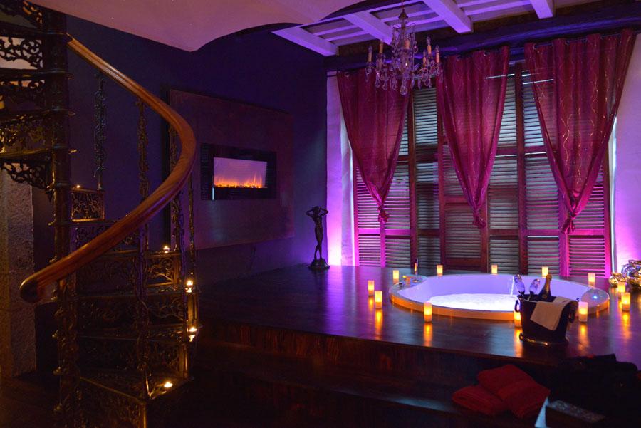 La suite le nirvana chambre avec jacuzzi et piscine ideal for Chambre de representants de belgique
