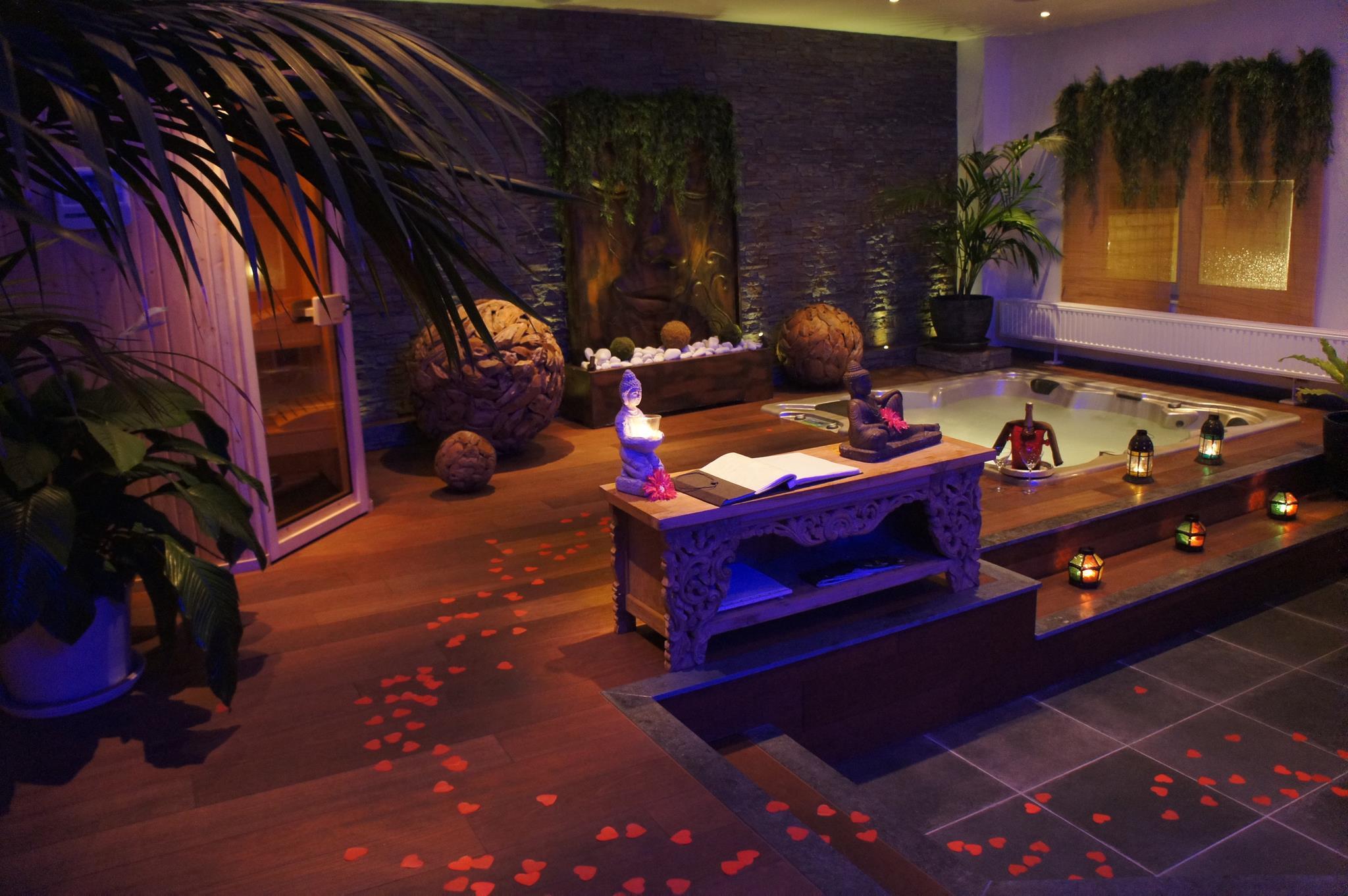 O bois zen chambre avec jacuzzi - Chambre de luxe avec jacuzzi ...