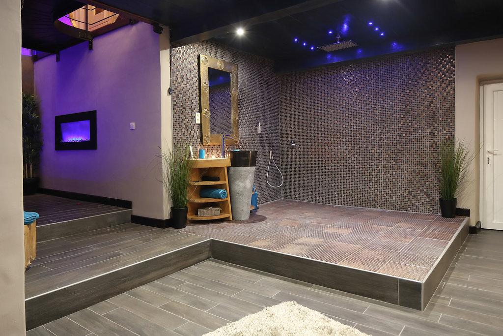 La suite le parvati, chambre avec jacuzzi, sauna et wellness pour ...