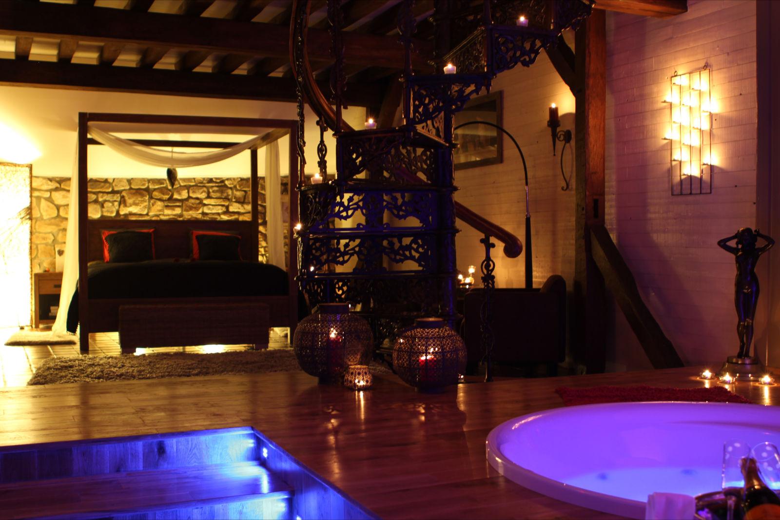L 39 eden chambre avec jacuzzi fauteuil massant ideal for Hotel week end